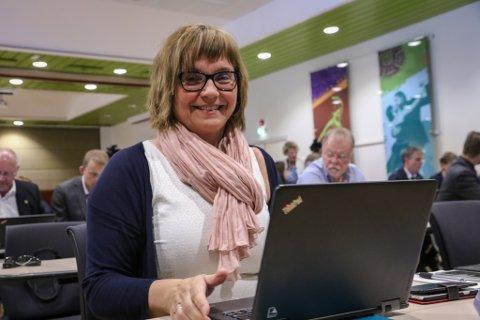 GODT NØGD: Gunn Åmdal Mongstad er strålande nøgd etter at Senterpartiet fekk 51,1 prosent av stemmene i årets val.
