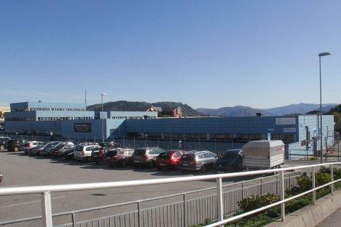 Det kan bli Extra-butikk i delar av det tidlegare Western Geco-bygget i Knarvik.