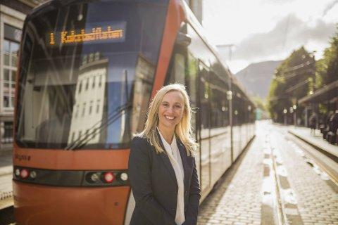 Gry Miriam Olsen (47) er i dag administrerande direktør i Keolis som driftar Bybanen. Nyleg blei ho tilsett som ny regiondirektør for NHO Vestlandet, ein jobb ho startar i neste år.