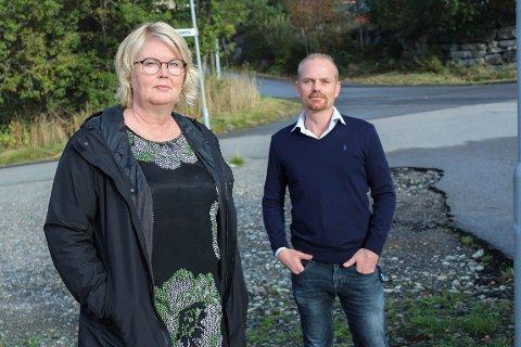 BEKYMRA: Nestleiar i PBL Alver, Rigmor Nedreås Sletten, og leiar Fredrik Seliussen fortel at private barnehagar står oppi ein vanskeleg økonomisk situasjon.