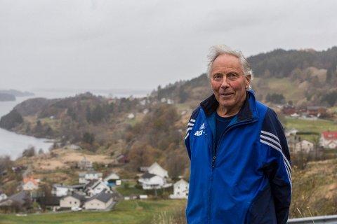 Ottar Skår er ein levande legende i lokalidretten, seier Helge Brekke. Måndag rundar han 80 år, og vener og familie vil feira jubilanten i Strilatun.