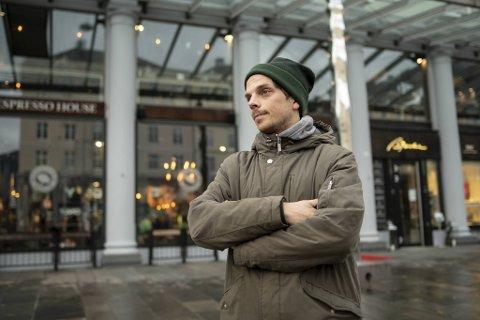 Mikael Birger Roussel føler seg urettferdig behandlet av ledelsen ved Sælen barnehage