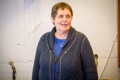 Signhild Dyrkolbotn reagerer på at fylkesordførar Jon Askeland (Sp) akepterer at lokalpolitikarar blir utsett for pisk og gulrøtter for å gå med på byvekstavtalen.