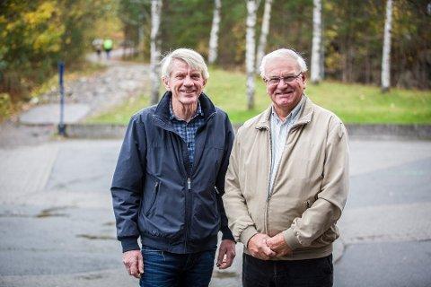 - Me trur at bygdeboka kjem til å bli flittig brukt både av «innfødde» og dei som har flytta til Alversund i nyare tid, seier Inge Alver (t.h.), leiar i styret for bygdebok-prosjektet. Her saman med Kåre Jordal, som også er med i bygdebok-styret.