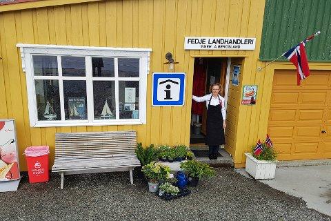 Bente Lene Bøen er klar for tida vidare med Fedje Landhandleri.