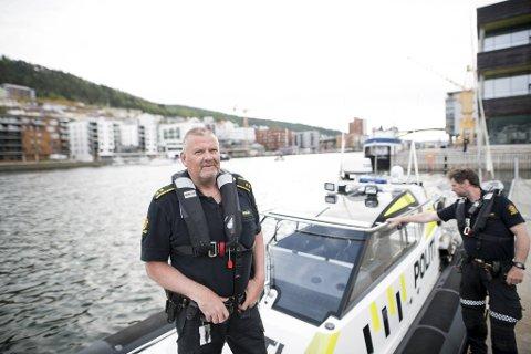 Politioverbetjent Hans Eirik Thue er for så vidt fornøyd med helgen, men ber spesielt førere av store båter og scootere om å vise mer hensyn.