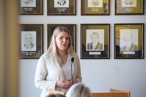 Alver-ordførar Sara Hamre Sekkingstad (Sp) har heile kommunestyret med seg i kampen mot vindkraftutbygging.