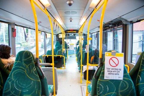 Langt færre passasjerar som følge av koronautbrotet har hittil påført Skyss eit tap på 260 millionar kroner i billettinntekter. Arkivfoto:Anders Kjølen / BA