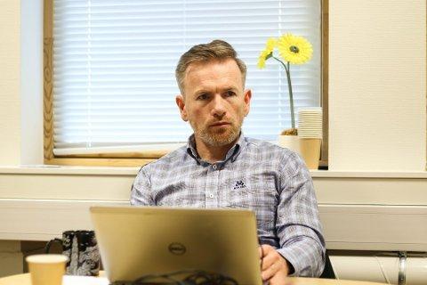 Alver-rådmann Ørjan Raknes Forthun vil ikkje lenger betale for at Åsheim-elevane skal gå på skule i Austrheim kommune. Arkivfoto