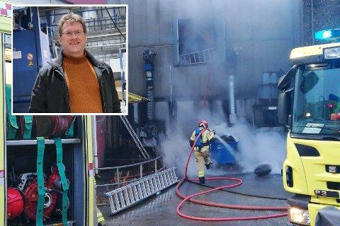 FREKHAUG STÅL: Fredag morgon byrja det å brenne i ein konteinar utanfor stålfabrikken.