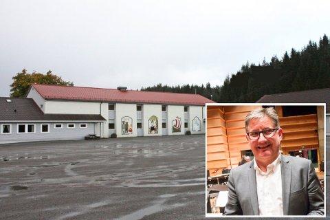 NY ARBEIDSPLASS: Viggo Bjørge går frå å vere rektor på Kløvheim skule til Lindås barneskule.