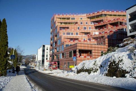 Smittetilfellet som er påvist i Austrheim kommune, kjem frå denne byggeplassen på Fantoft.