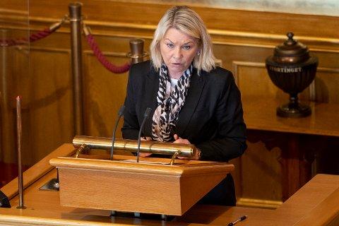 Justis- og beredskapsminister Monica Mæland (H) redegjør i Stortinget om planlagt salg av Bergen Engines AS.