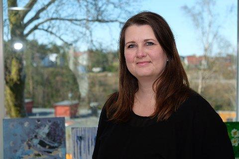 Elisabeth Jensen Risnes (44) blir den nye leiaren i Austrheim kulturskule. Ho tiltrer stillinga 1. august.
