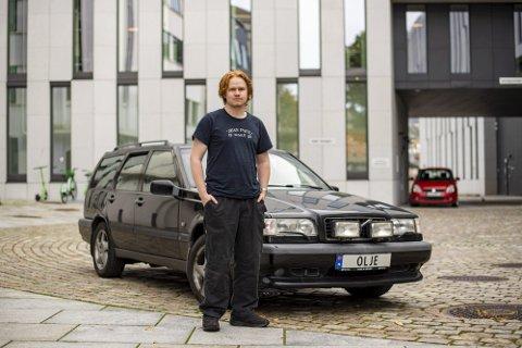 Adrian Christoffer Stavenes Monsen var ikkje i tvil om å skaffe seg bilskiltet.