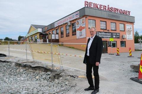 Dagleg leiar og eigar i Reikeråsbygget, Oddvar Reikerås, seier at erstatningstilbodet Statens vegvesen kom med, ikkje svarte til forventingane. Til hausten møtast dei i retten.