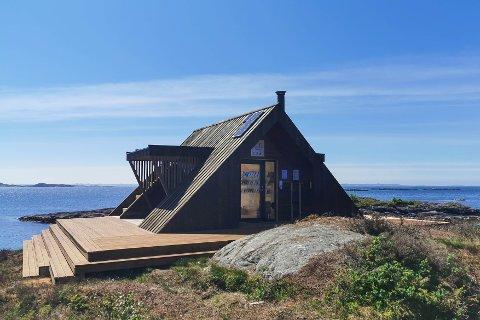 Ein av dei tre dagsturhyttene i Alver kommune ligg på Byngja, litt sør for Bøvågen.