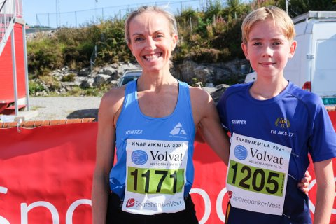 Anita Iversen Lilleskare sprang femkilometeren med sonen Jonas Iversen Lilleskare (13). Begge to vann gullmedalje ved Knarvikmila.