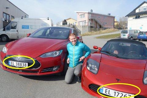Tesla-fan Espen Limstrand med to av sine biler.