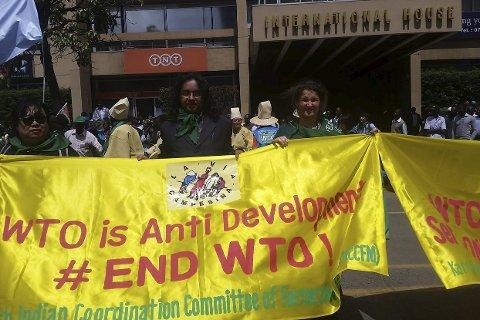 Småbønder: Småbønder fra hele verden demonstrerte under WTOs ministermøte i Nairobi rett før jul. Foto: PrivaT