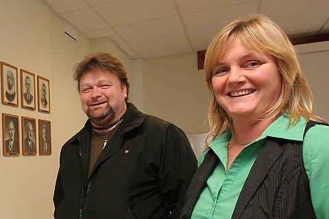 Kriger om ordførervervet: Varaordfører Håkon Sæther (Ap) og ordfører Monika Sande (Sp) har samarbeidet og vært på lag de fire siste årene, men nå kjemper de begge for å bli ordfører.