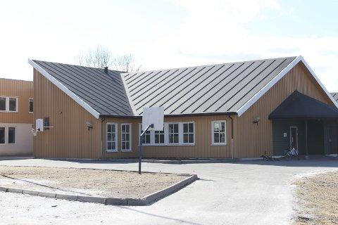 Torsdag 28. mars møttes kommunestyret for å beslutte hvordan fremtidens skolestruktur i Fauske skal være. Der ble det besluttet at Erikstad skole og Hauan skole legges ned.