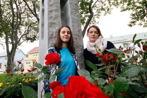 Minnes: Alessia Reina, leder i Bodø AUF og fungerende ordfører Synne Bjørbæk skal holde minnetaler i Solparken den 22. juli.