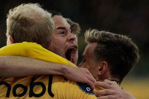 Bodø/Glimts Amor Layouni feirer scoring under 1. divisjonskampen mellom Bodø/Glimt og Florø på Aspmyra stadion.