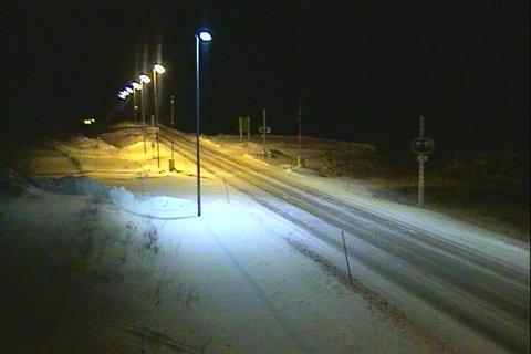 GODE FORHOLD: Mandag kveld var det gode forhold langs E6 på Sørelva på Saltfjellet.