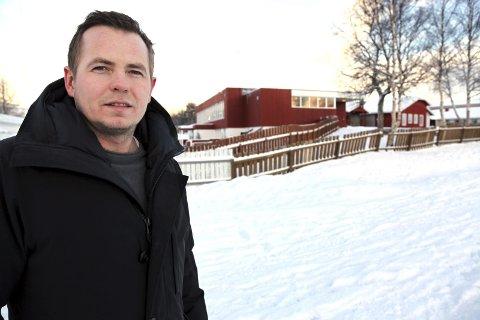 Bekymret: Nils-Christian Steinbakk er bekymret for kommunen og deres innbyggere. Han beskriver at dagens tjeneste er langt bak mål, og at noe må gjøres raskt.