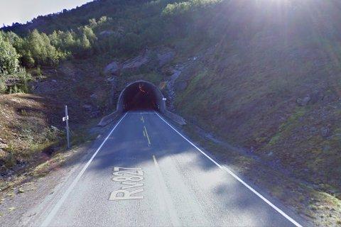 Ved denne tunnelåpningen skjedde raset natt til lørdag. Foto: Google Streetview