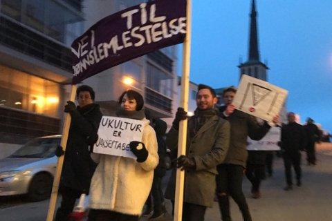 Nei til kjønnslemlestelse: I år gikk Kassandra Petsa i toget. Nestformannen i FpU i Bodø hadde fått igjennom egne paroler i år.