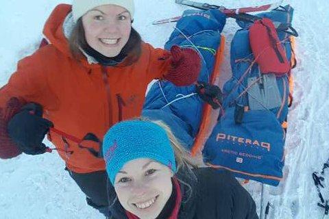 Opplevelse for livet: Anette Catrin Olsen (26) fra Røsvik og venninnen Magnhild Karsrud (25) har vært på tur i to måneder. Nå venter Saltfjellet og Helgelandskysten. Alle foto: Privat
