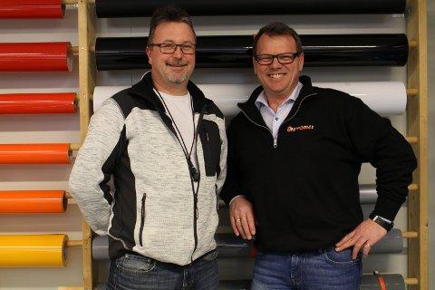 Bygget ut: Frank Skogheim og daglig leder Kai-Arne Rasmussen hos Uni-Form på Fauske har fått større plass. Foto: Ida Kristin Dølmo