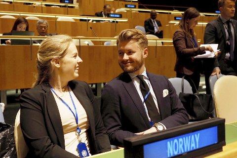 Ganske likt: – Ting oppleves nok ganske likt i New York og Hamarøy så lenge man holder seg oppdatert, sier Johannes Sandberg, her i FNs hovedkvarter. Foto: Ida Helene Andersen