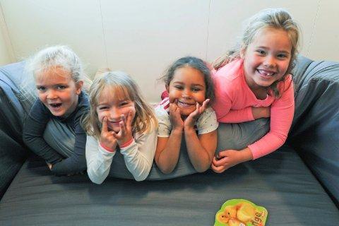 Heller penger: Ingrid, Elise, Sumayah og Liv i Bjerkenga miljøbarnehage sa nei til bursdagsgaver for å gi til de som trengte det mer.