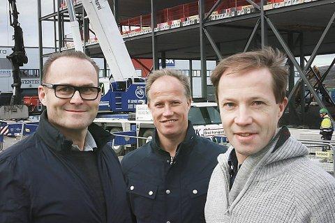 Eierne: De tre sentrale eierne er Trond Tørdal og brødrene Runar og Arild Berg. De kjøpte det styggeste og billigste de kunne finne i Bodø og kjente på at de var lovlig langt utenfor sentrum. Nå er det ikke lenger noe tema. Begge industribyggene er fullt utleid. Foto: Tom Melby
