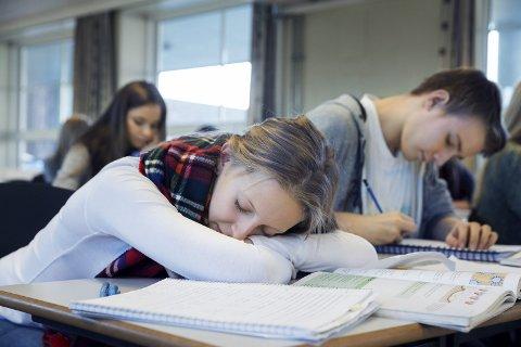 Prokrastinere: Mange av oss prokrastinerer, det vil si at vi utsetter ubehagelige oppgaver til i siste liten, og for mange kan det ha store negative konsekvenser. Illustrasjonsfoto