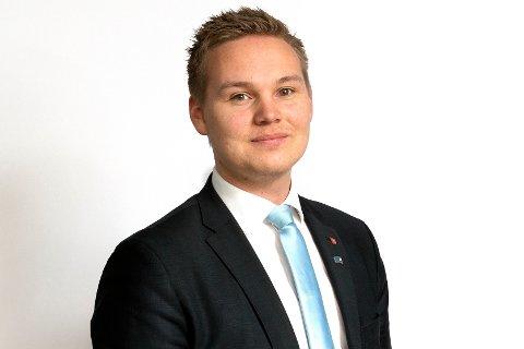 Etter benkeforslag ble Joakim Sennesvik valgt til ny leder.