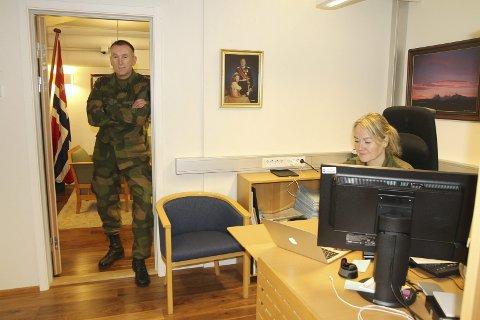 Nye tider: Sjef FOH Rune Jakobsen har kontor dypt inne i fjellet på Reitan. Her styres Forsvarets operasjoner.Foto: Rune Grønlie