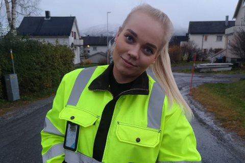 Annika Mari Røkkum (24) starter i ny, fast jobb hos InVia i Fauske 1. november. I vinter er det brøyting i Sulitjelma som står på timeplanen for den unge fauskekvinnen.