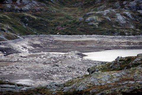 Vannmagasinene har vært på historisk lave nivåer i lang tid, men er nå i ferd med å nærme seg normalen. (NTB scanpix)