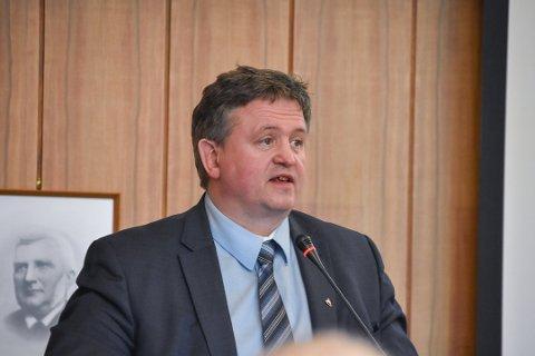 Ordfører i Vågan kommune, Eivind Holst, sier ringvirkningene etter at nytt hotell- og kulturhus sto klart i Svolvær i 2009.