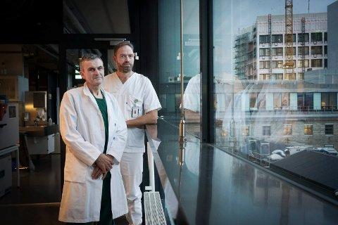 Professor i anestesi, Erik Waage Nielsen og Benjamin Stage Storm, overlege i anestesi og stipendiat.