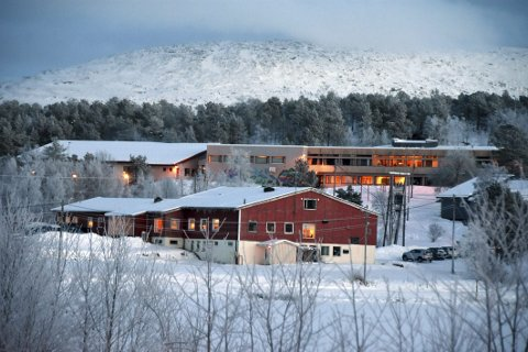 Til Hamarøy: Rådmannen i Tysfjord mener at Drag skole bør overføres til Hamarøy kommune fra 1. august neste år. Det er også aktuelt å overføre ungdomstrinnet fra Innhavet oppvekstsenter til Drag skole fra samme tidspunkt. Foto: Øyvind A. Olsen