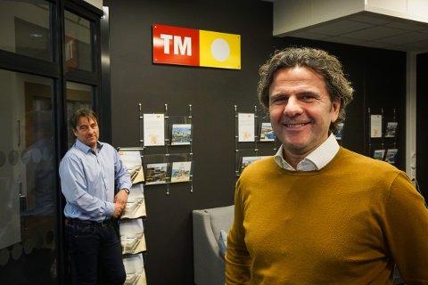 Bjørnar Christensen (t.h.) og Frank-Håvard Storvik er strålende fornøyde med å være på plass i nye lokaler.