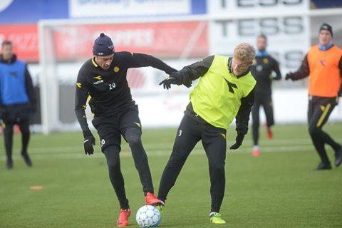 Amor Layouni starter på benken mot Haugesund, mens Emil Jonassen får sin første sjanse fra start i årets sesong. Foto: Stian Høgland
