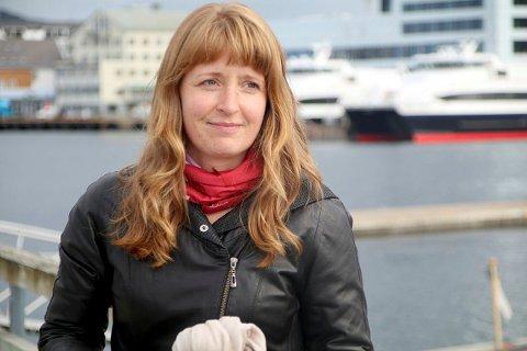 Ingelin Noresjø understreker at hun på tross av skepsisen mot kjemiske avlusningsmidler støtter utviklingen av oppdrettsnæringen i Nordland helhjertet.