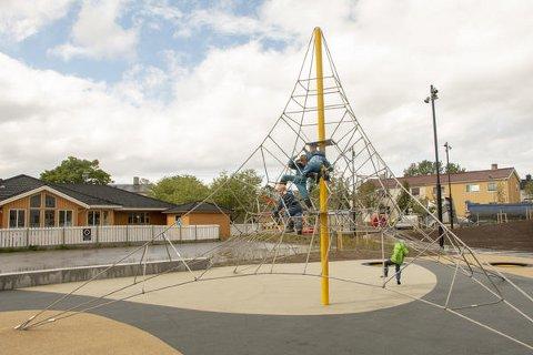 Leif Jenssons plass i Vestbyen i Bodø har fått et flott parkområde.