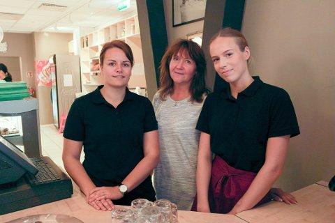Aina Jorid Klaussen (midten) sammen med Eva-Christine Grenheim og Sunniva Kilskar.